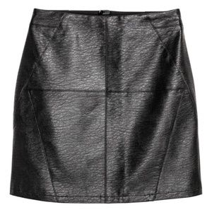 h&m faux leather lined short skirt